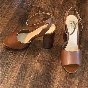 Gorgeous sandals!